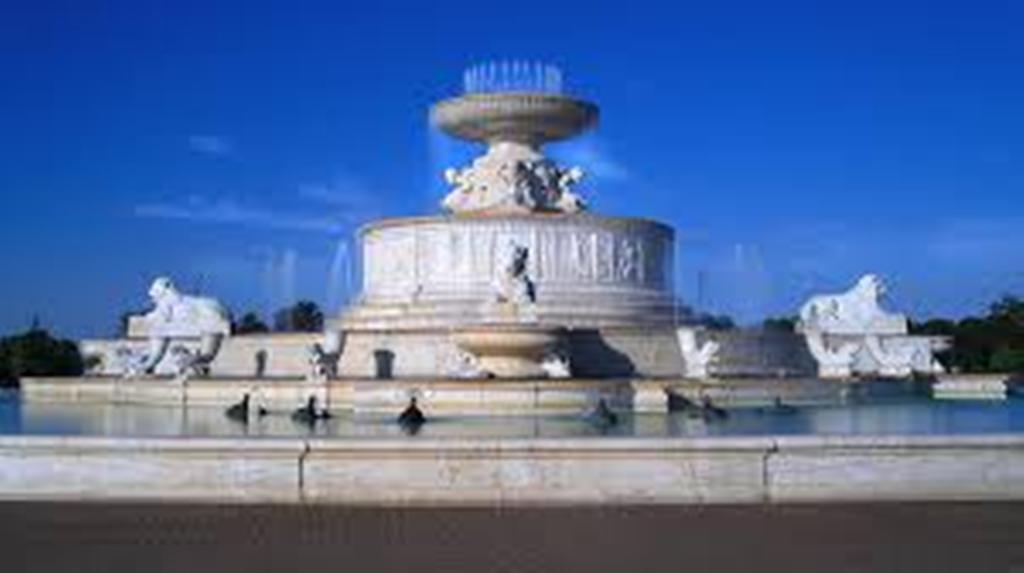 Image of: Belle Isle Fountain Menu