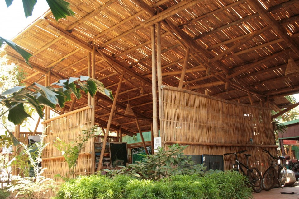 Image of: Best Bamboo Roof