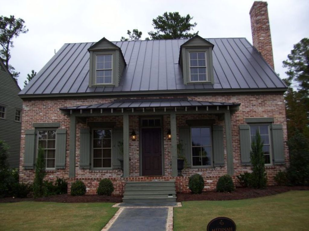 Image of: Best Roof Color for Red Brick House Idea