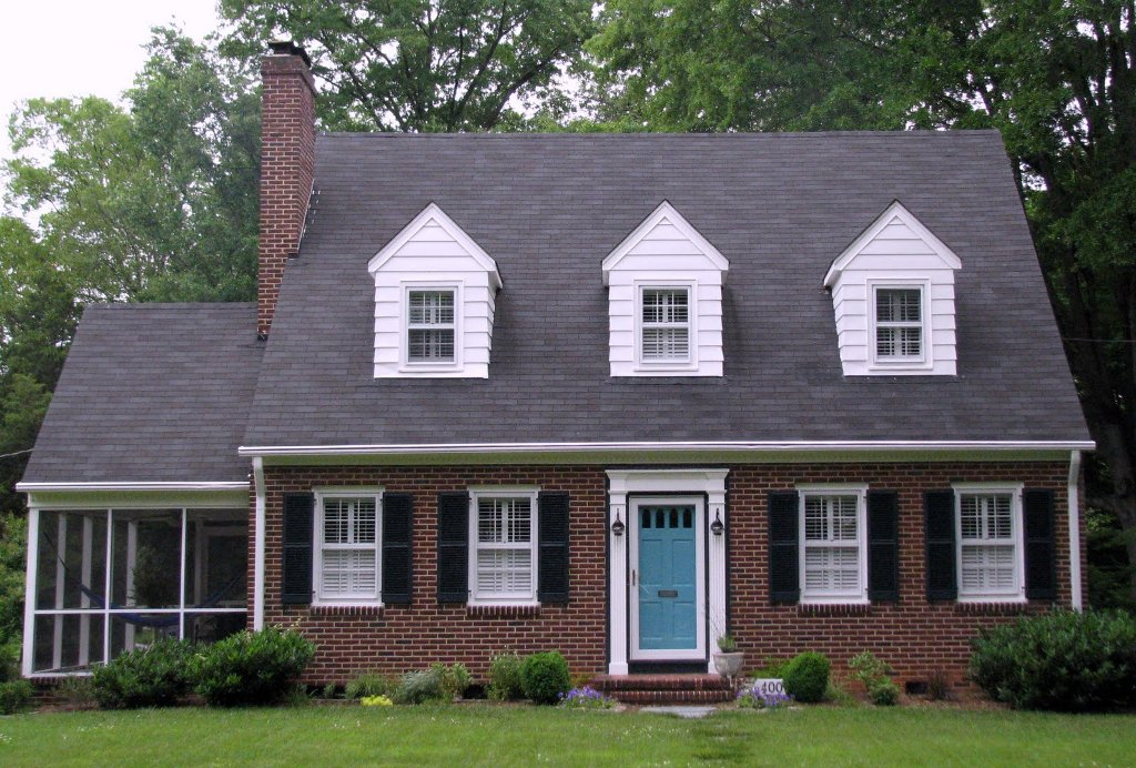 Image of: Best Roof Color for Red Brick House Plans
