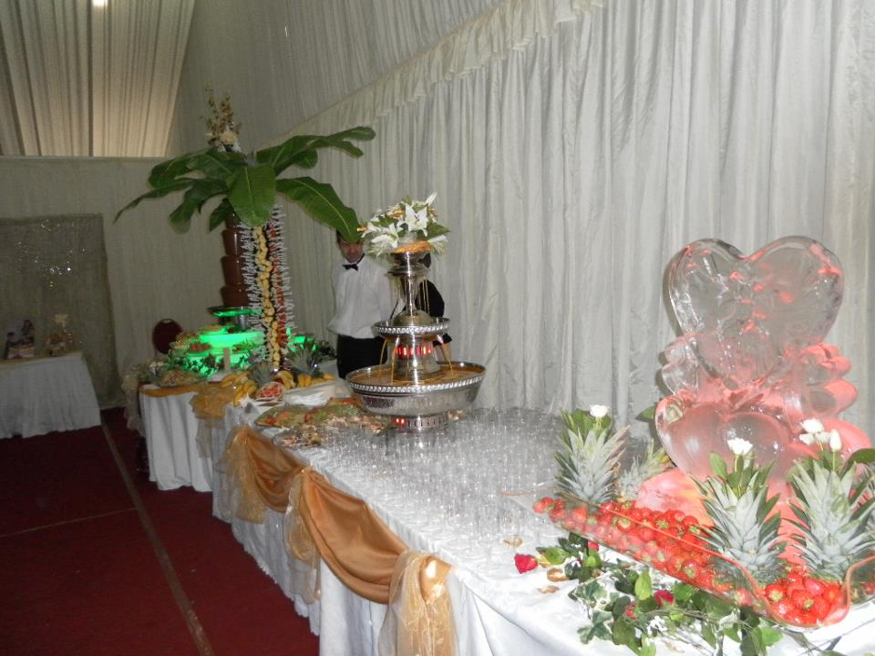 Image of: Beverage Fountain Party