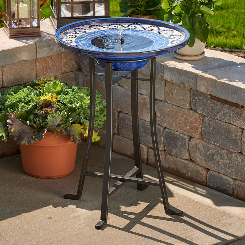 Image of: Bird Bath Fountain Ideas