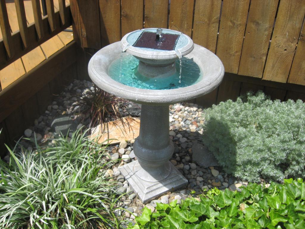 Image of: Bird Fountains Accessories