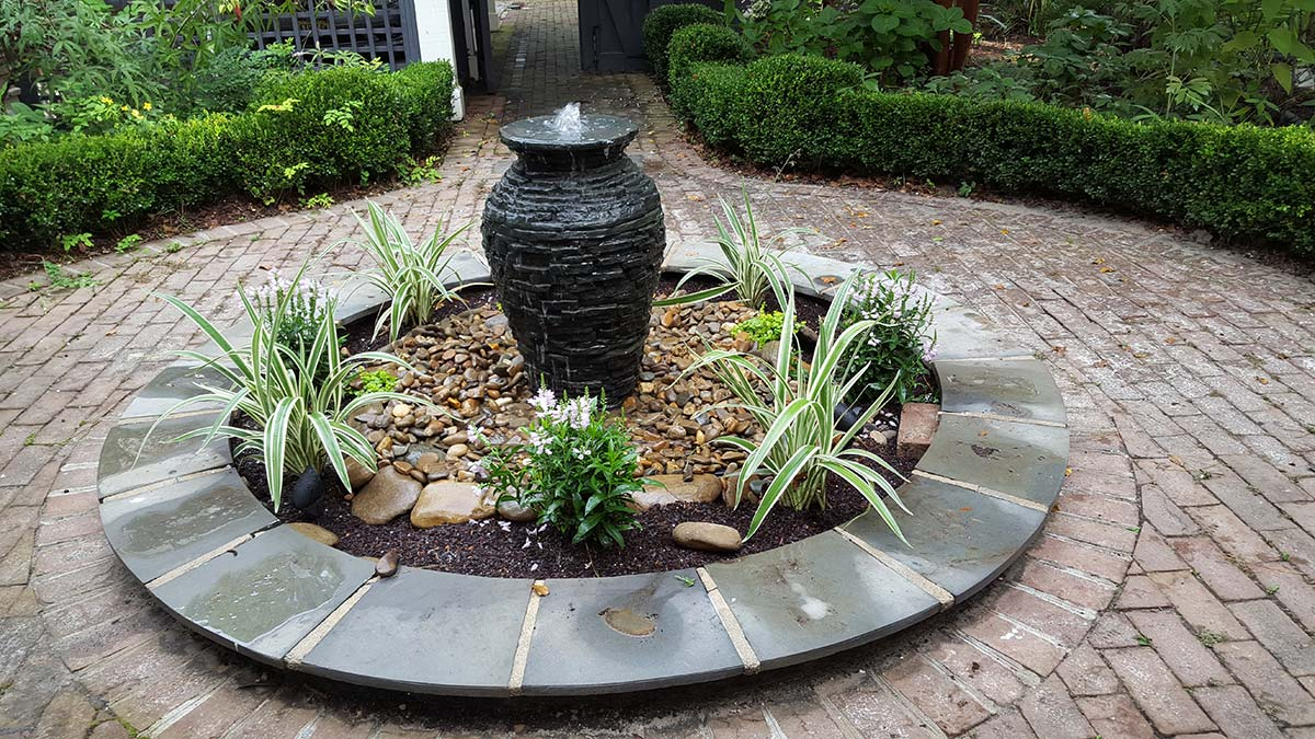Image of: Bubbling Fountain Outdoor