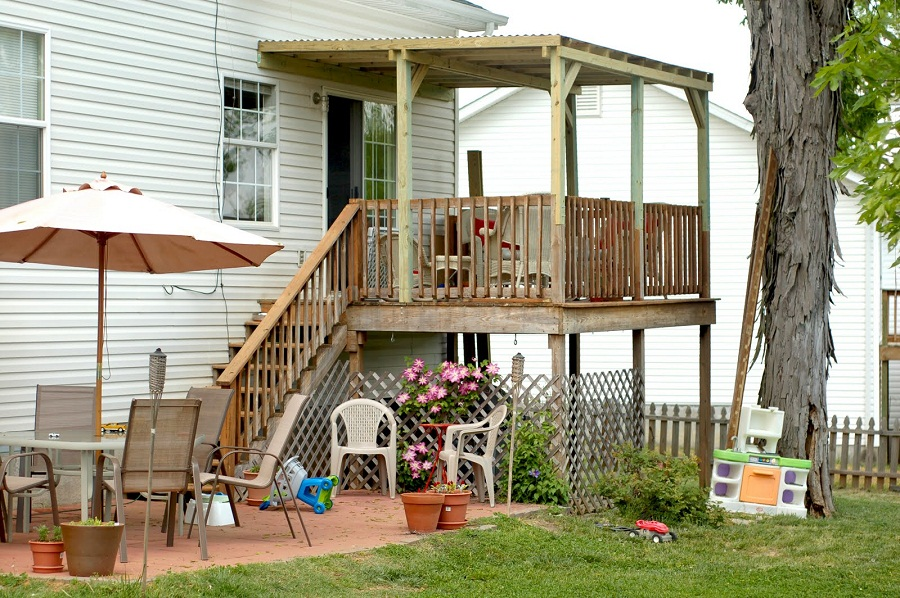 Image of: Building a Roof Over a Deck Patio