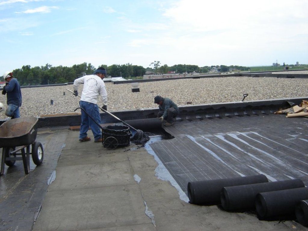 Image of: Built Up Roof with Gravel Ballast