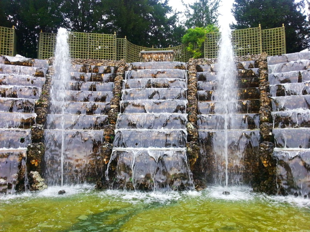 Image of: Cascade Fountains Band