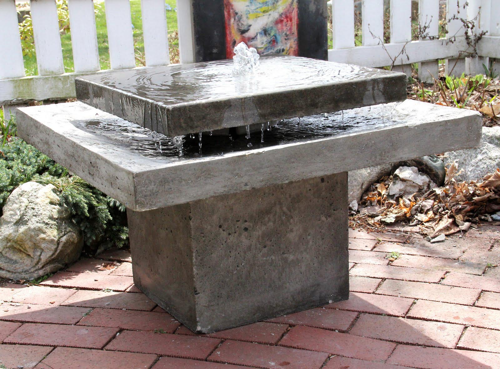 Image of: Cement Fountains Ideas