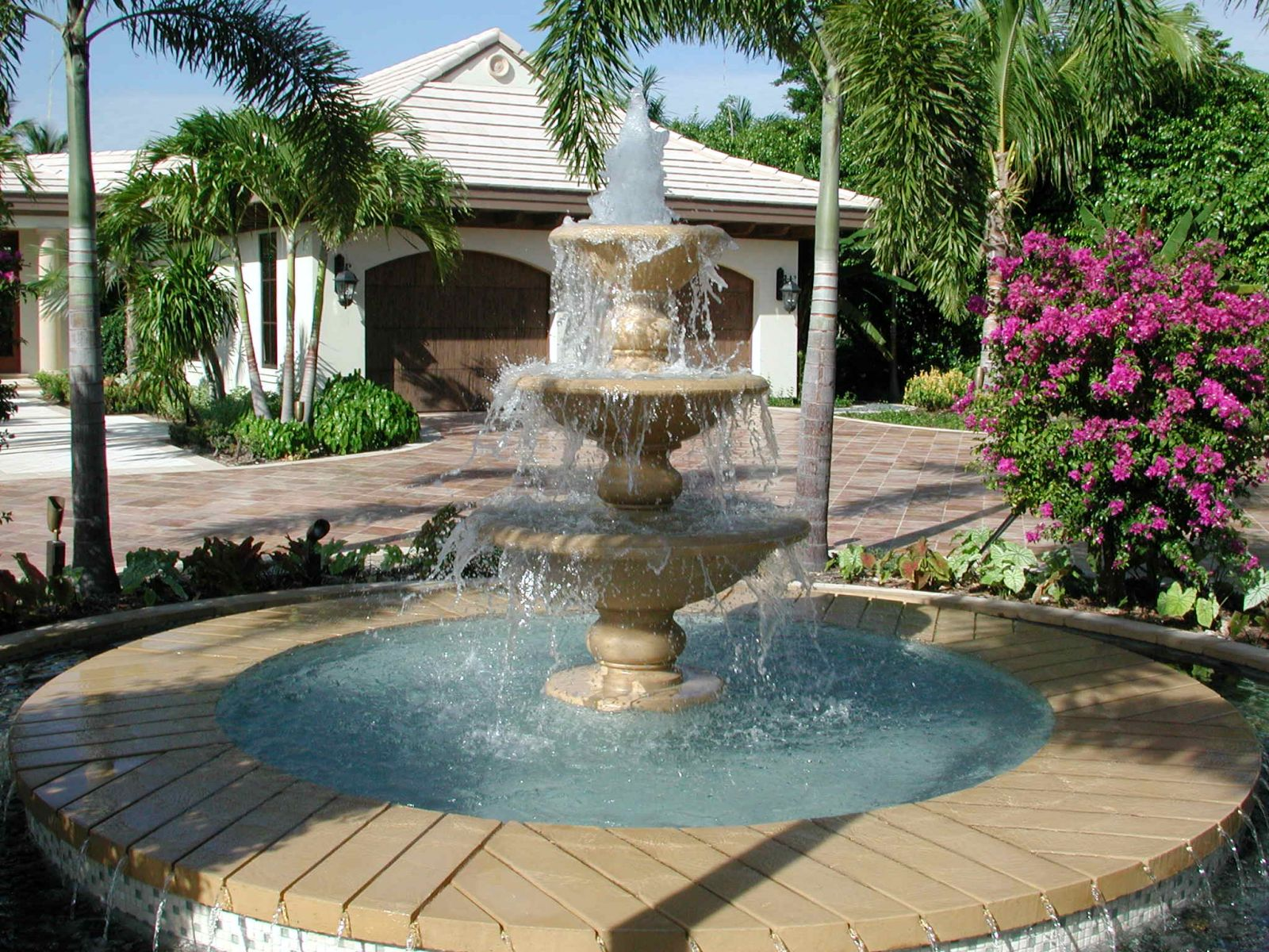 Image of: Cement Fountains Style