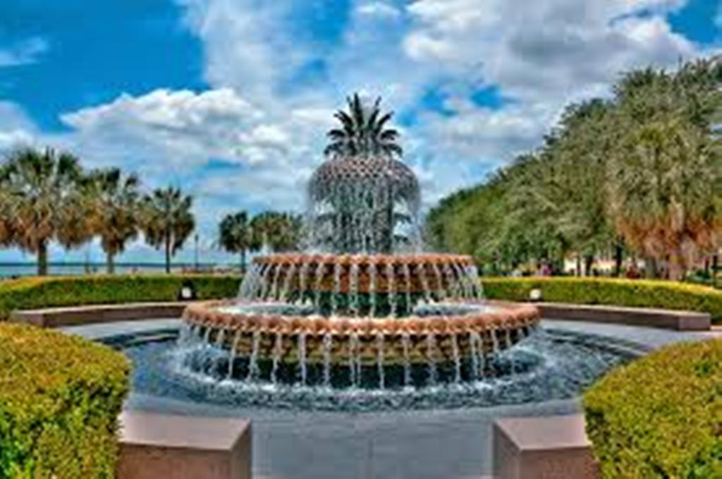 Image of: Charleston Pineapple Fountain Carolina