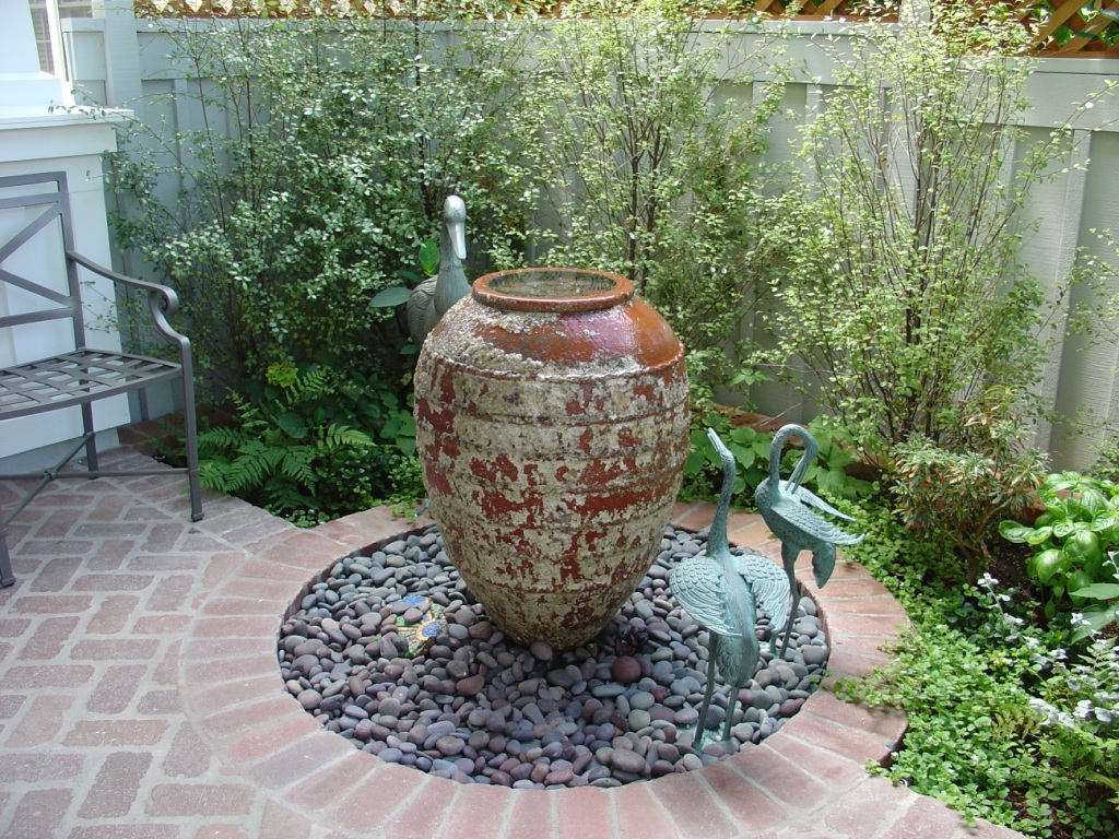 Image of: Classic Backyard Fountains for Sale