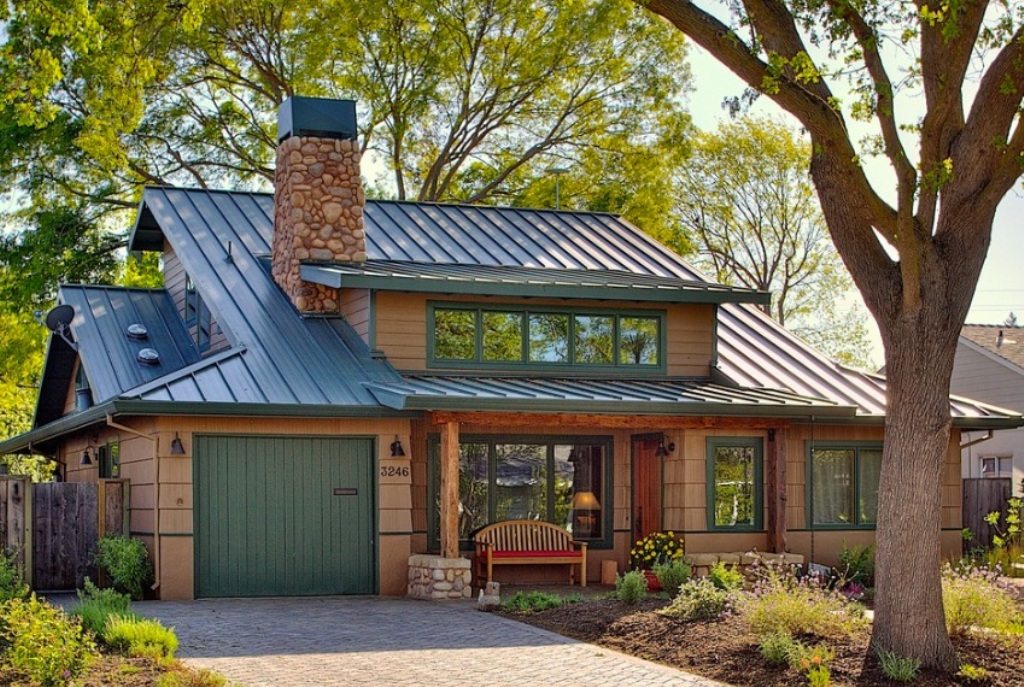 Image of: Classic Best Roof Color for Red Brick House