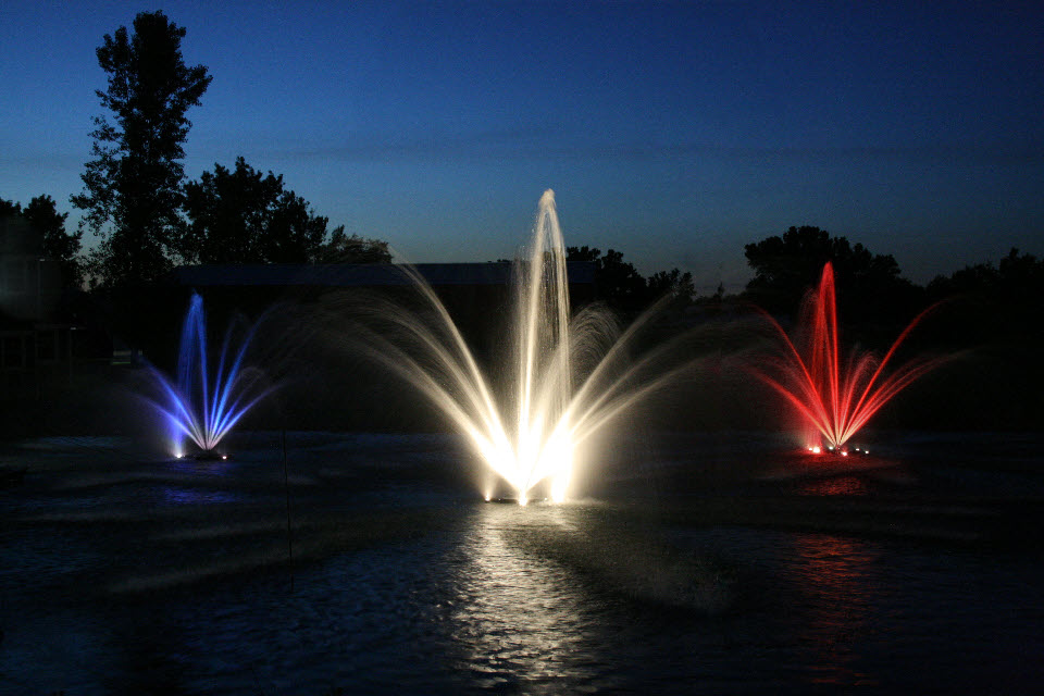 Image of: Commercial Water Fountains at Night