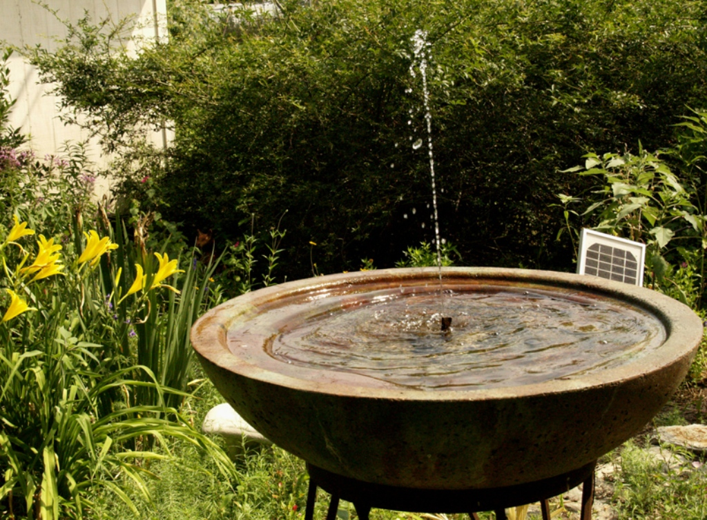 Image of: Copper Bird Bath Fountain Solar