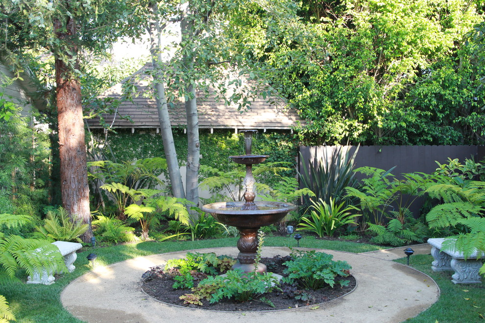 Image of: Decorative Backyard Water Fountains