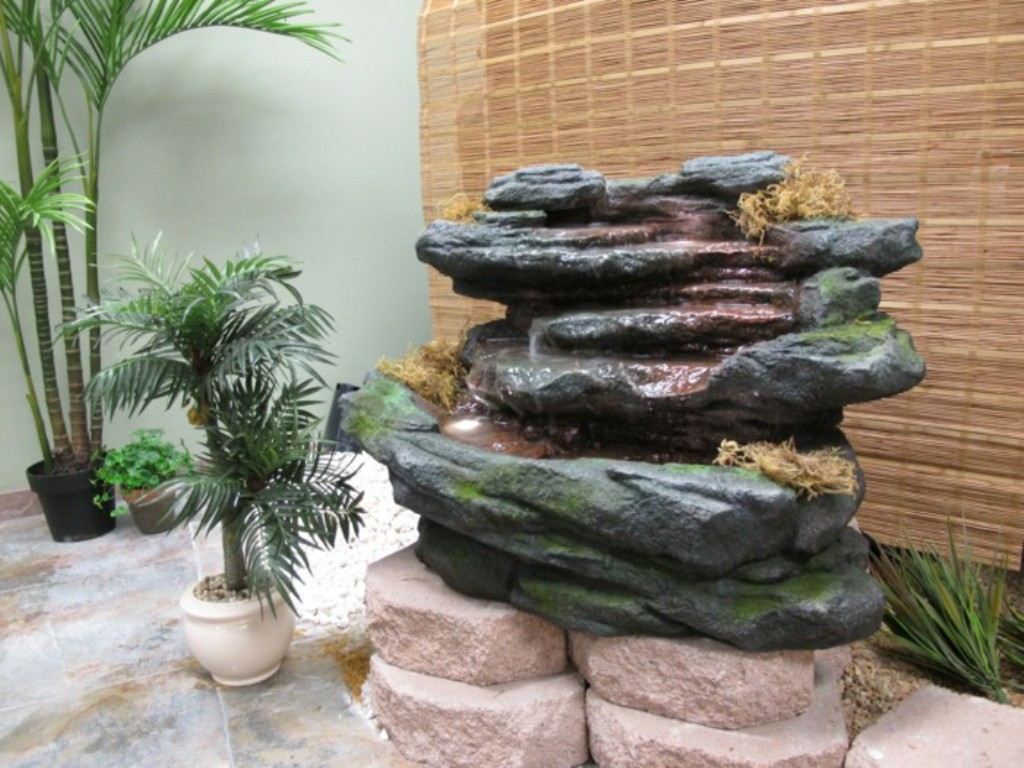 Image of: Decorative fountains for garden