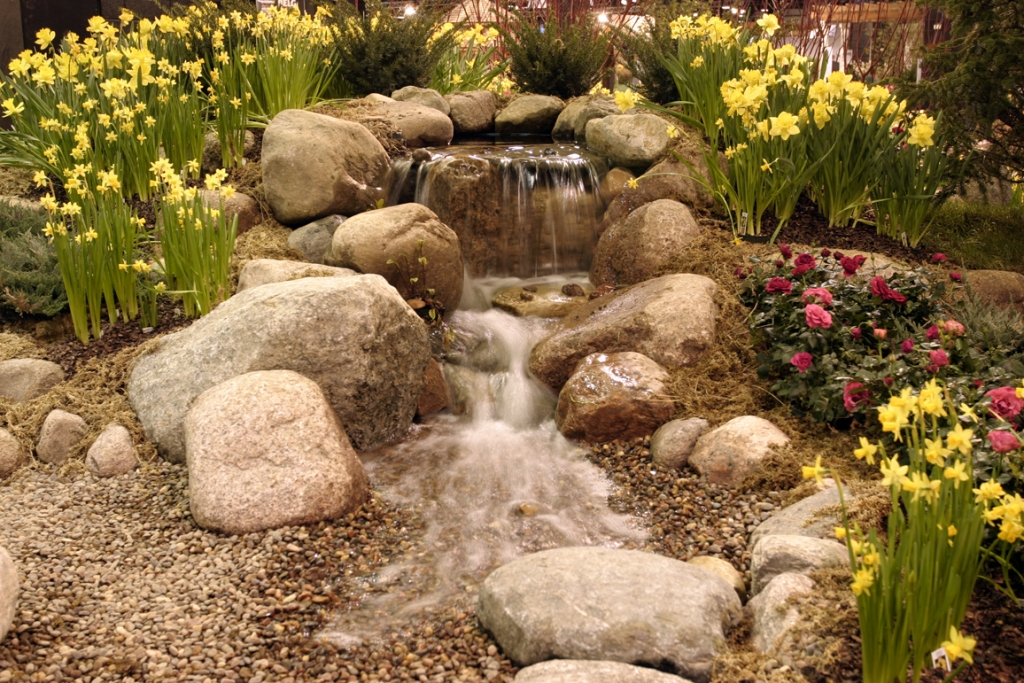 Image of: Decorative fountains outdoor designs