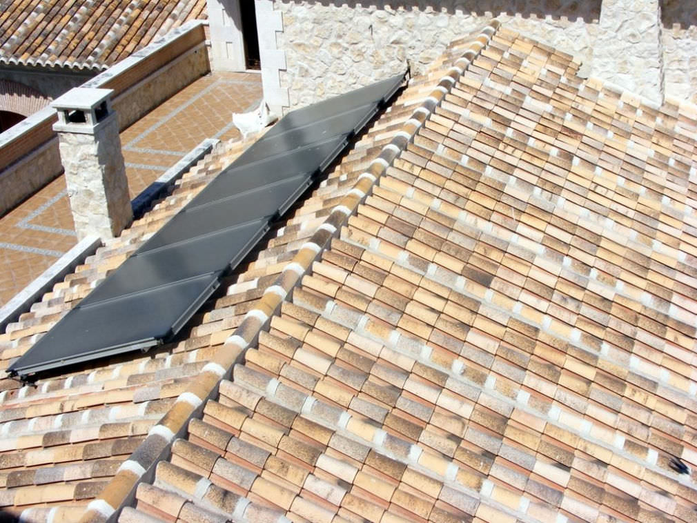 Image of: Durable Clay Tile Roofing