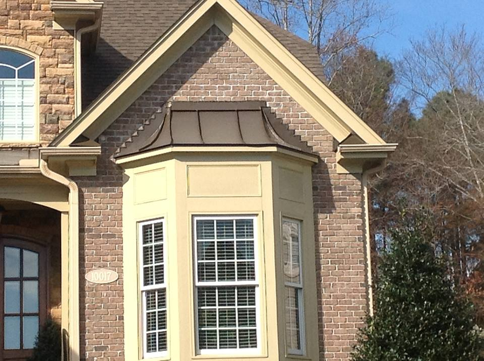 Image of: House Bay Window Roof