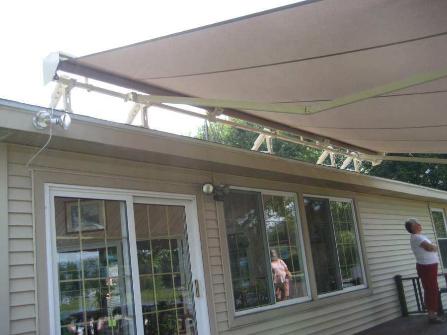 Image of: Nice Awning Roof