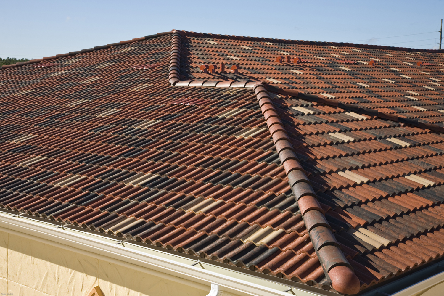 Image of: Nice Ceramic Roof Tile