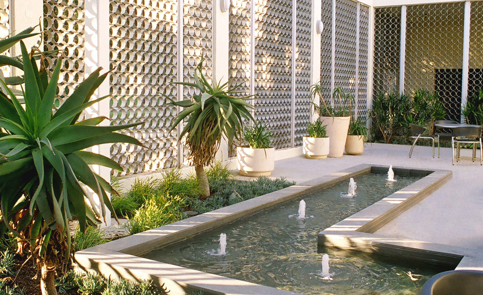 Image of: Outdoor Courtyard Fountains