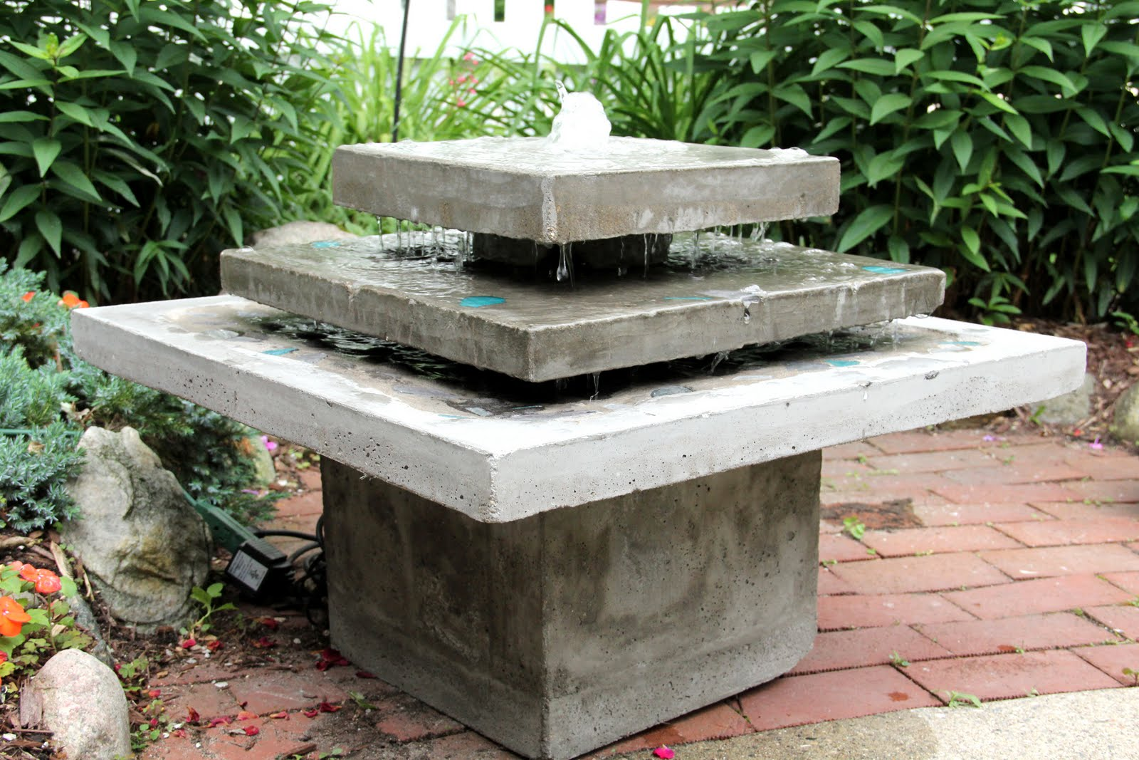 Image of: Popular Cement Fountains