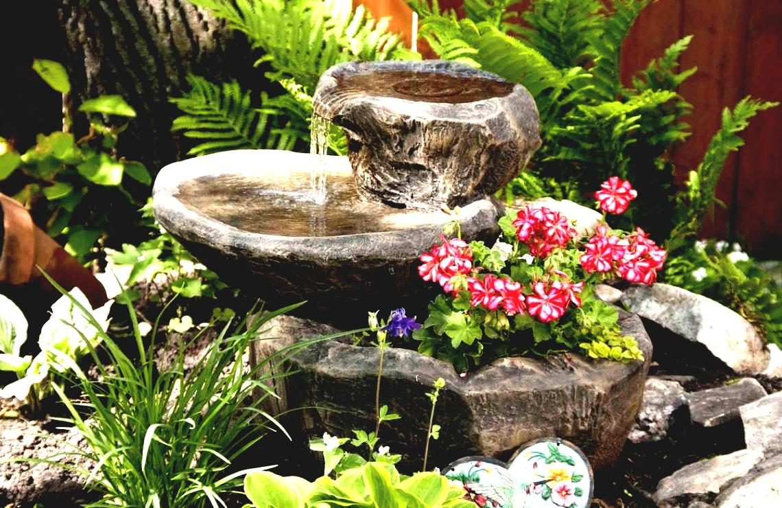 Image of: Rustic Diy Garden Fountain