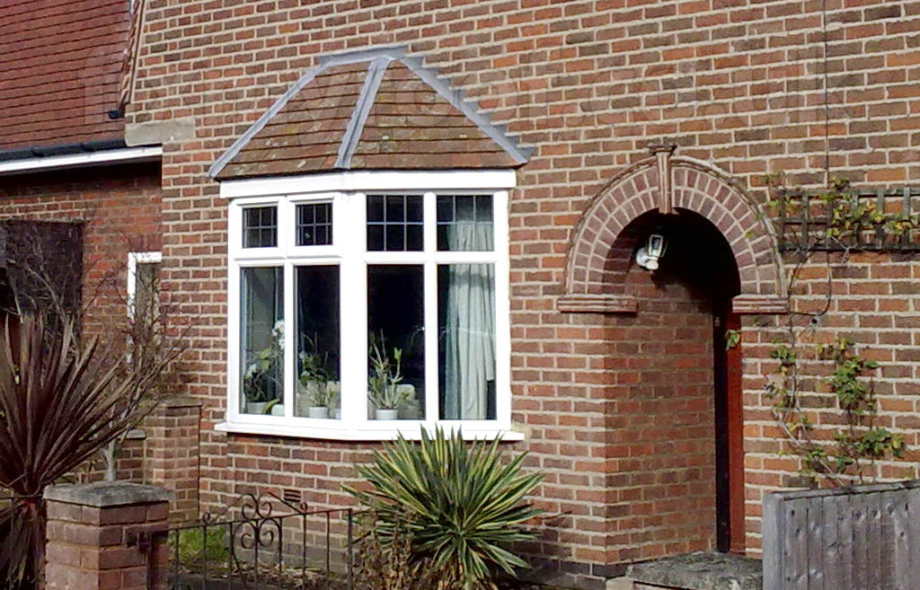Image of: Small Bay Window Roof