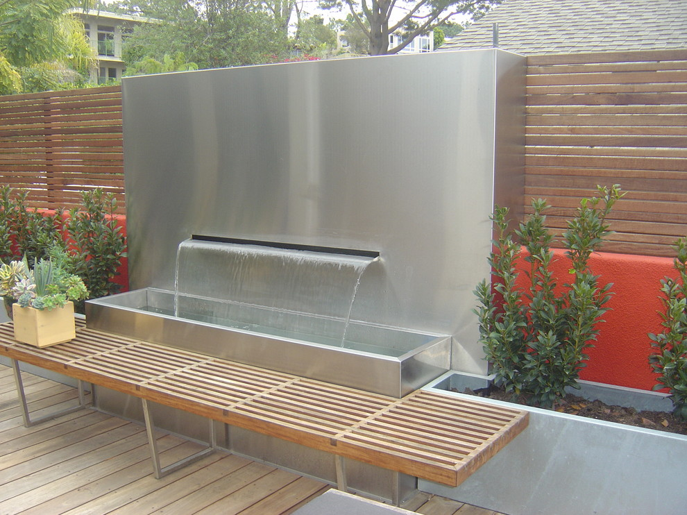 Image of: Walls Contemporary Outdoor Fountains