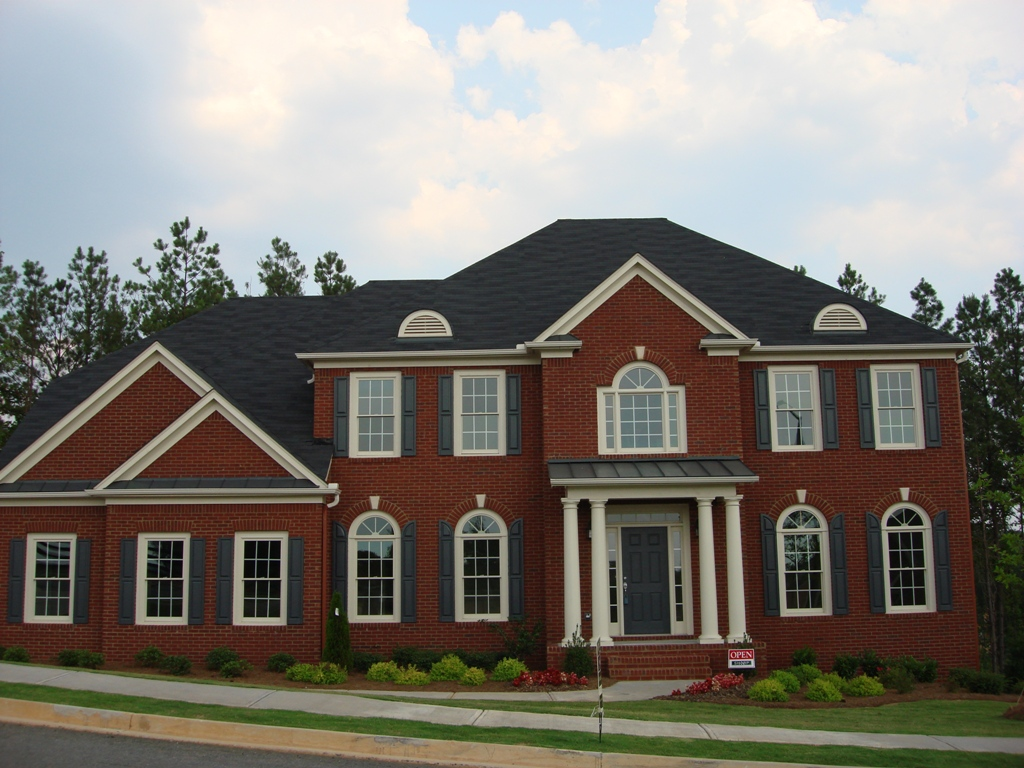 Image of: What Is the Best Roof Color for Red Brick House