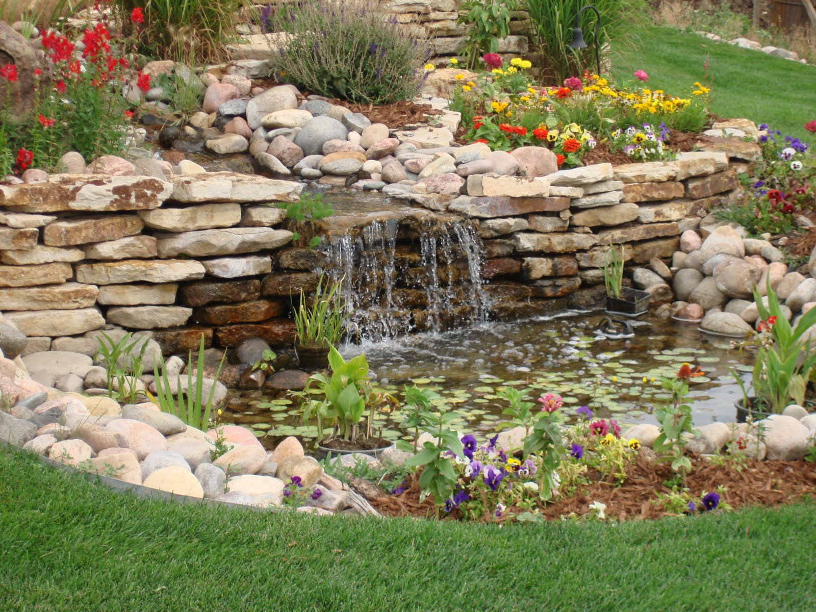 Image of: Wonderful Backyard Fountains for Sale
