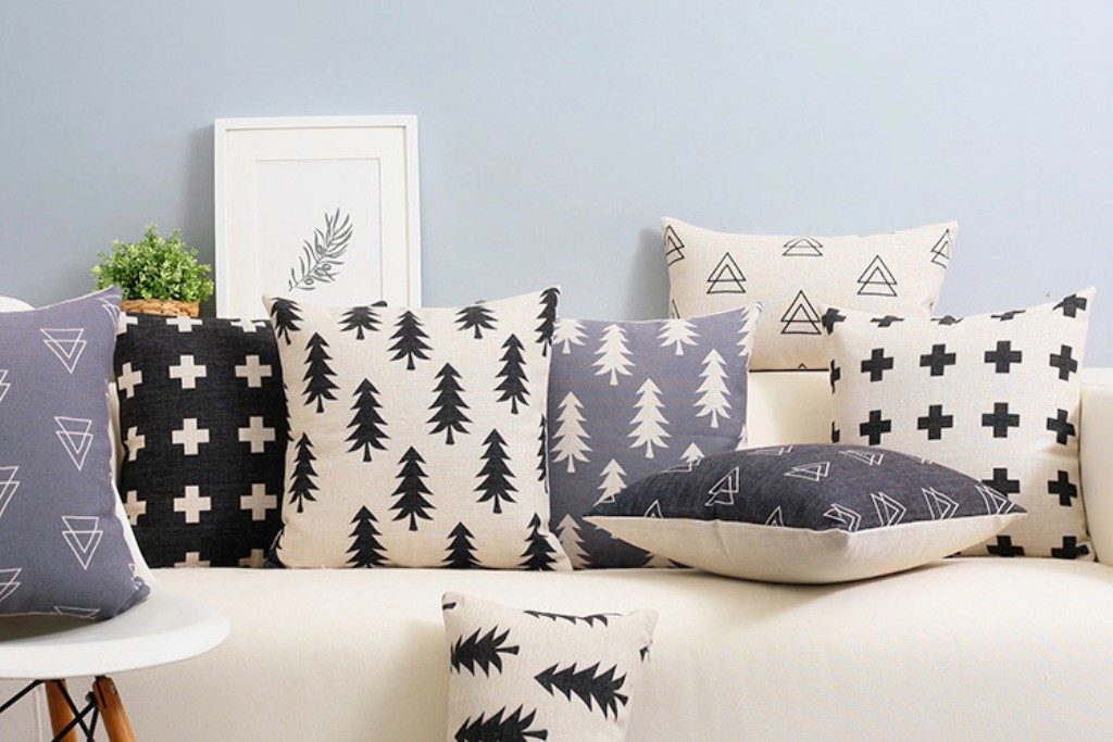 Image of: Affordable Modern Throw Pillows
