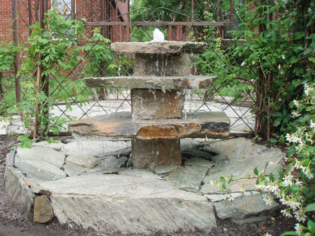 Image of: Amazing DIY Water Fountain