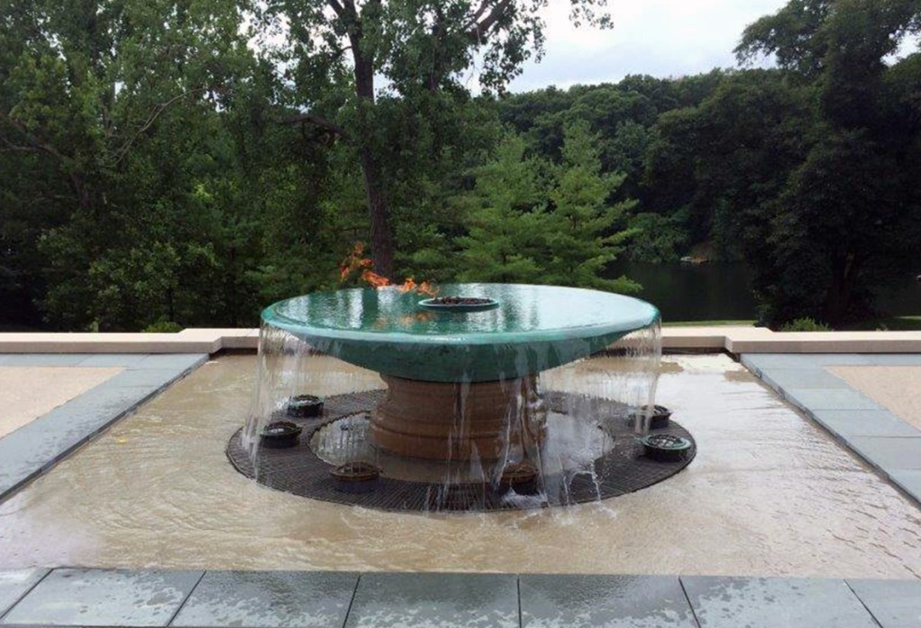 Image of: Awesome Disappearing Fountain Basin