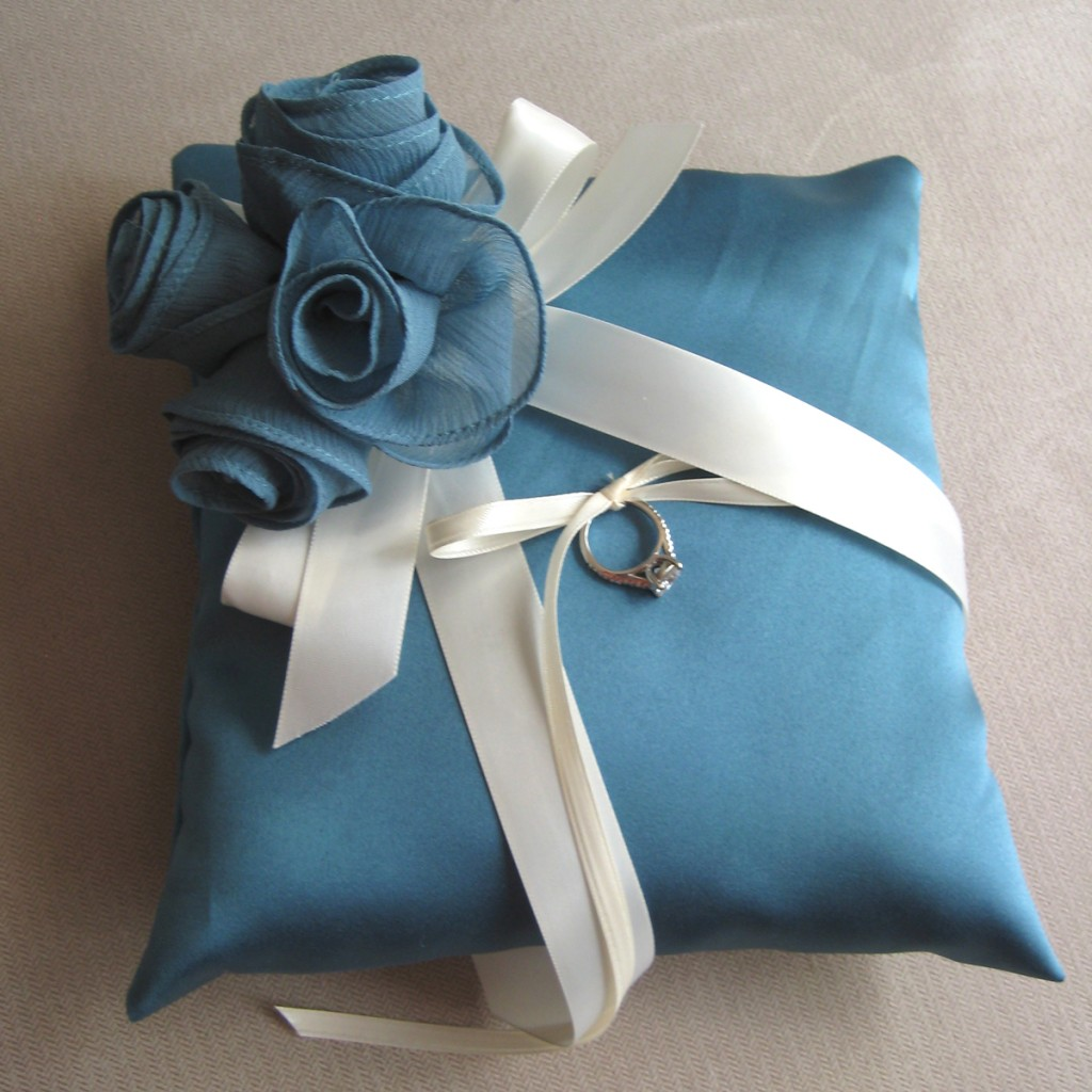Image of: Blue Ring Pillow