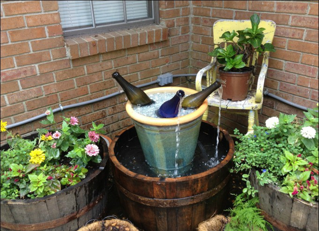 Image of: DIY Outdoor Water Fountain Backyard