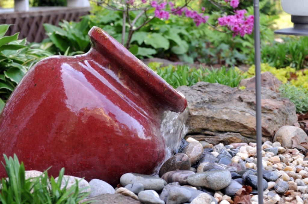 Image of: DIY Outdoor Water Fountain Garden