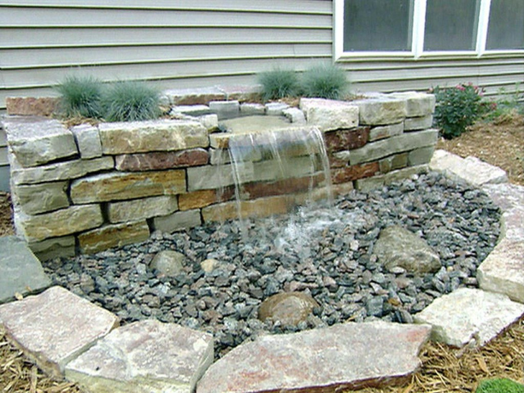 Image of: DIY Outdoor Water Fountain Small
