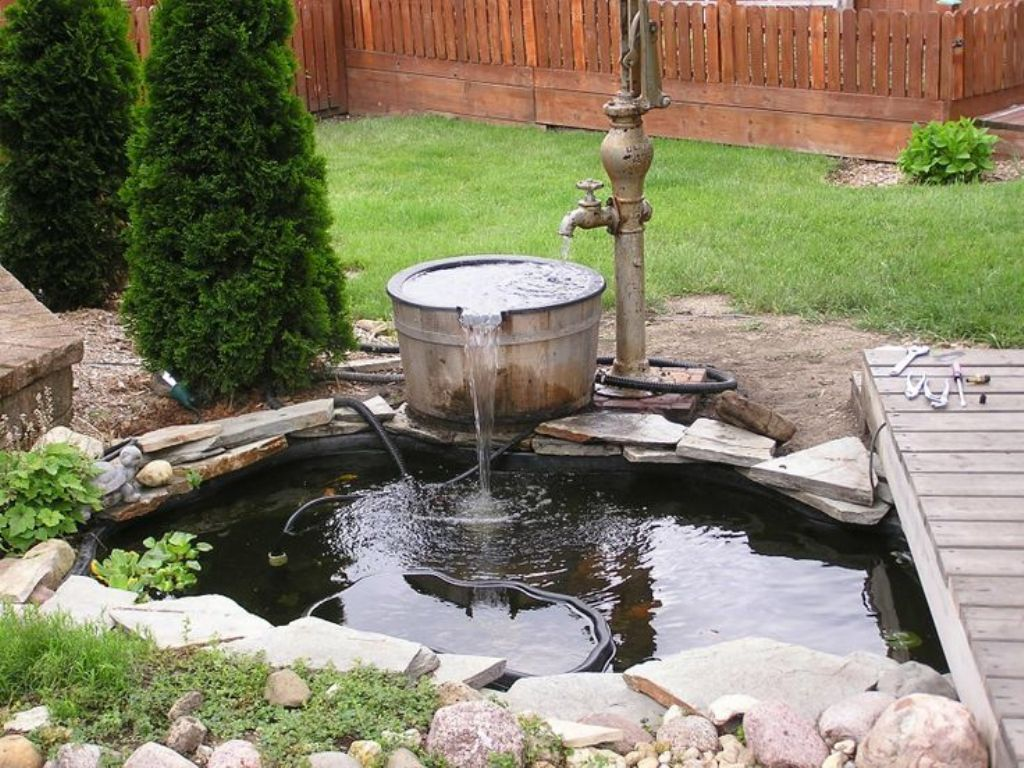 Image of: DIY Pond Fountain Floating