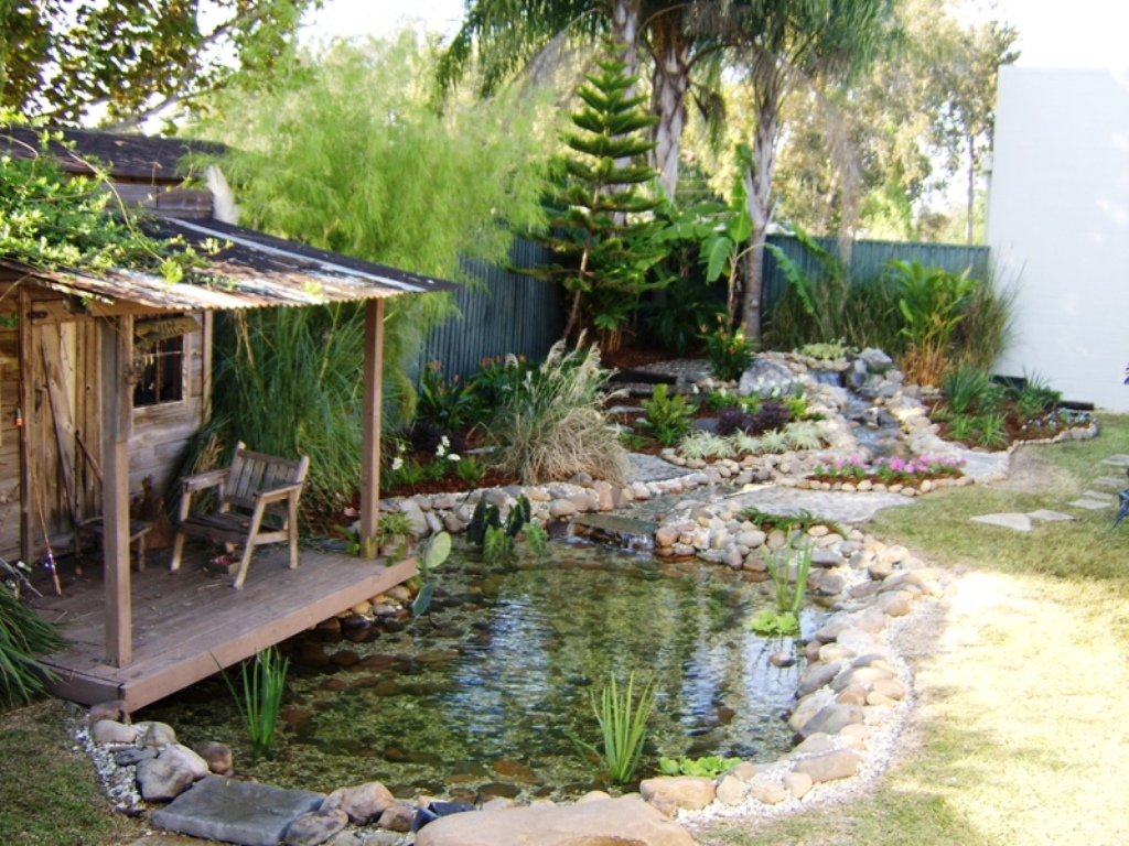 Image of: DIY Pond Fountain Garden