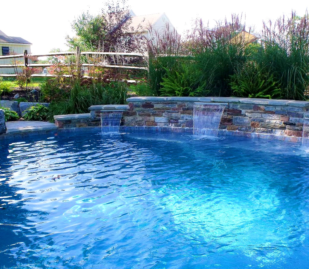 Image of: DIY Pool Fountain Ideas