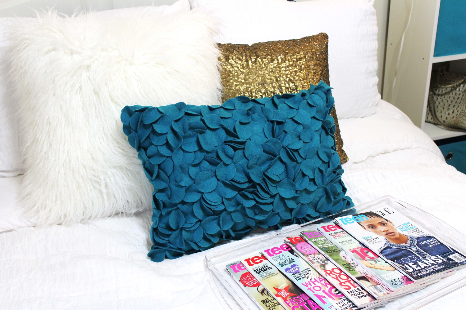 Image of: Decorative Throw Pillows at Target