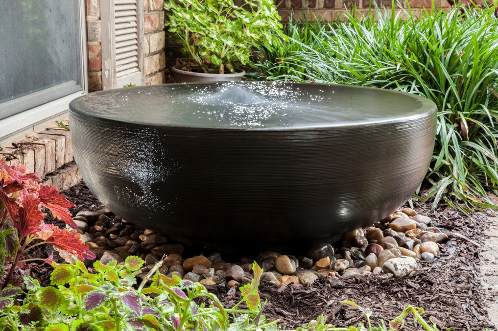 Image of: Disappearing Fountain Basin Ideas Outdoor