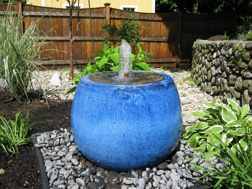 Image of: Backyard Disappearing Fountain Basin