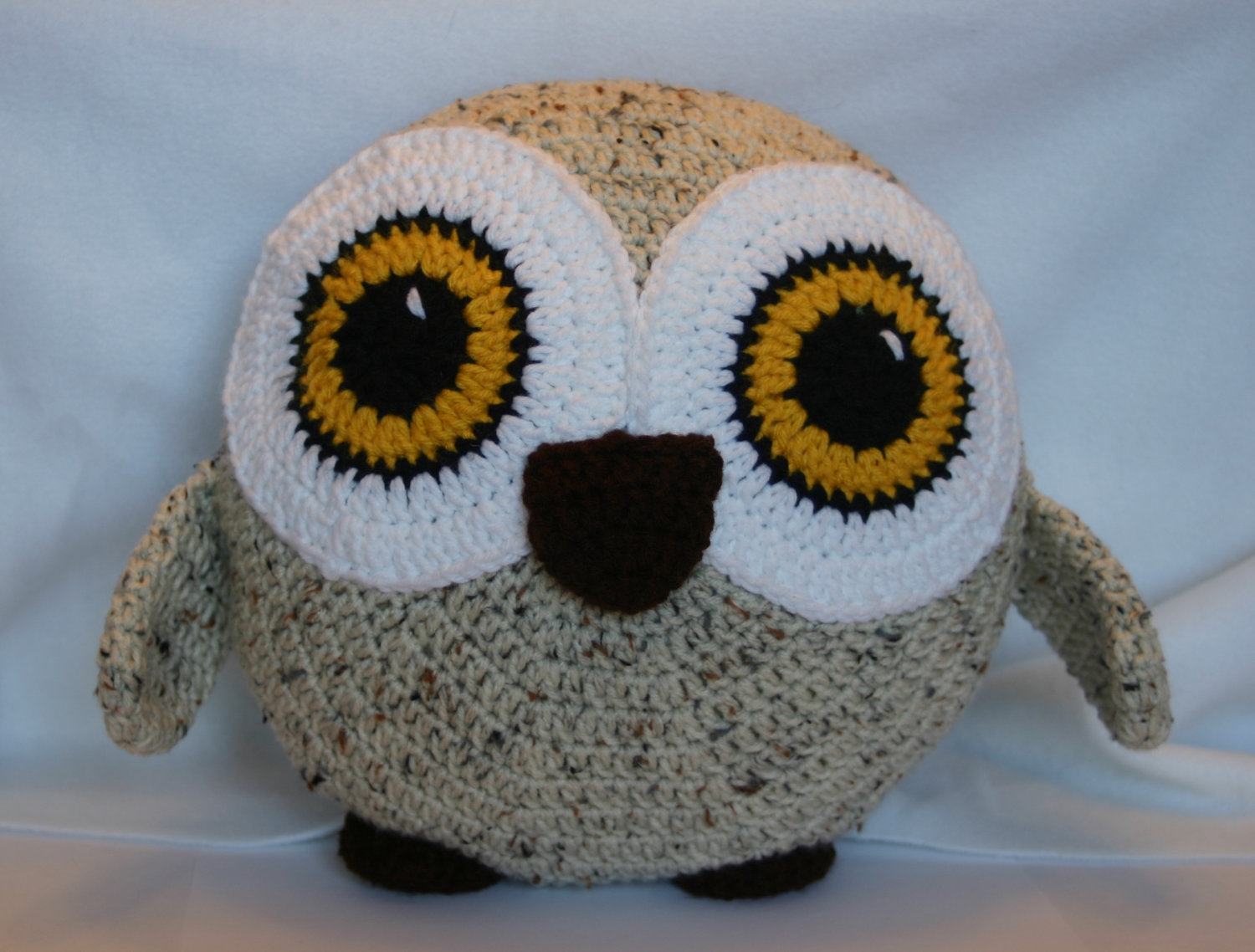Image of: Famous Owl Pillow