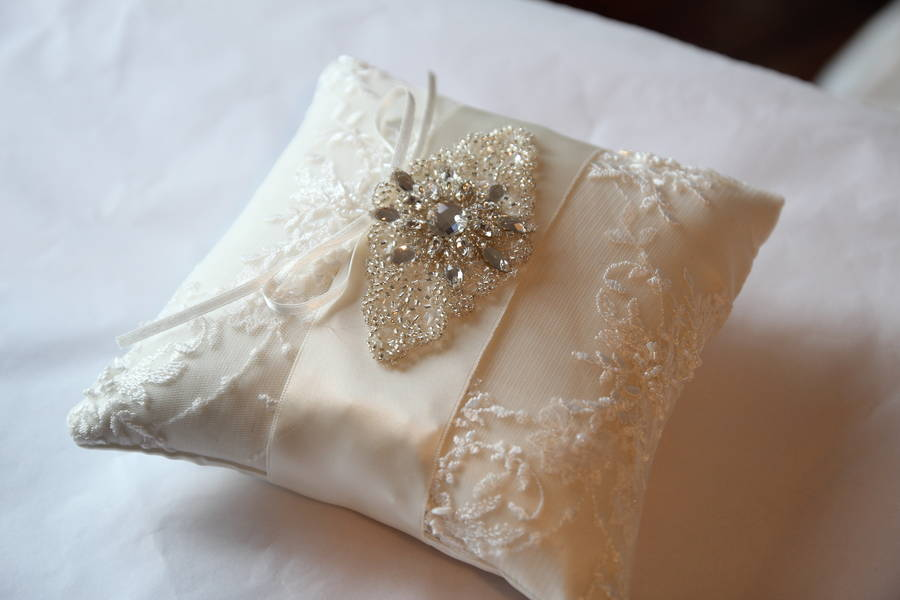 Image of: Flower Ring Pillow
