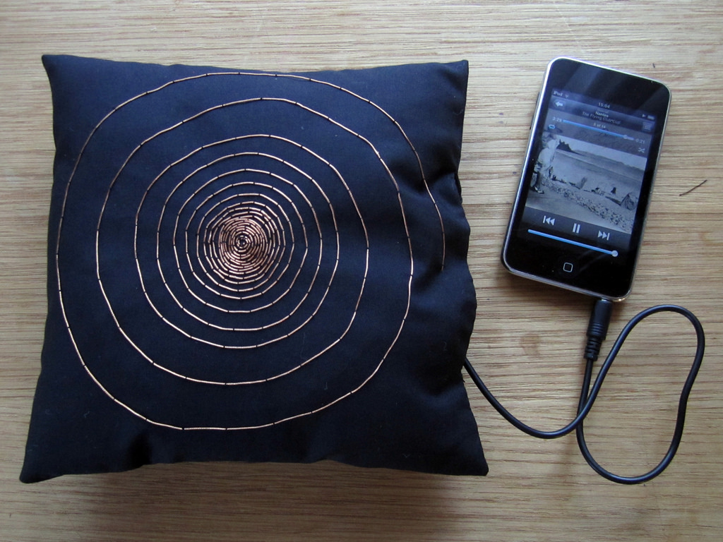 Image of: Good Pillow Speaker