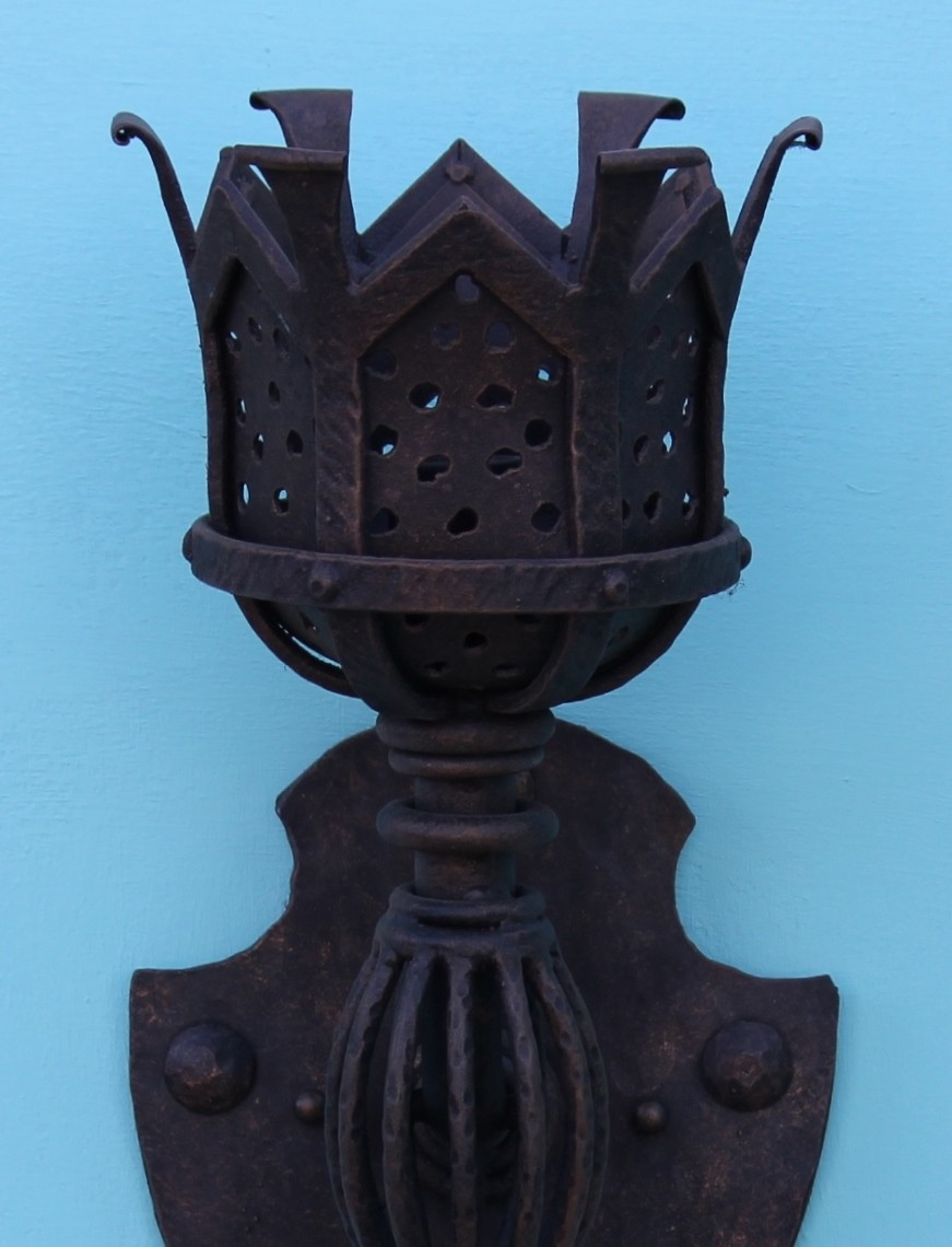 Gothic Wall Sconce Black