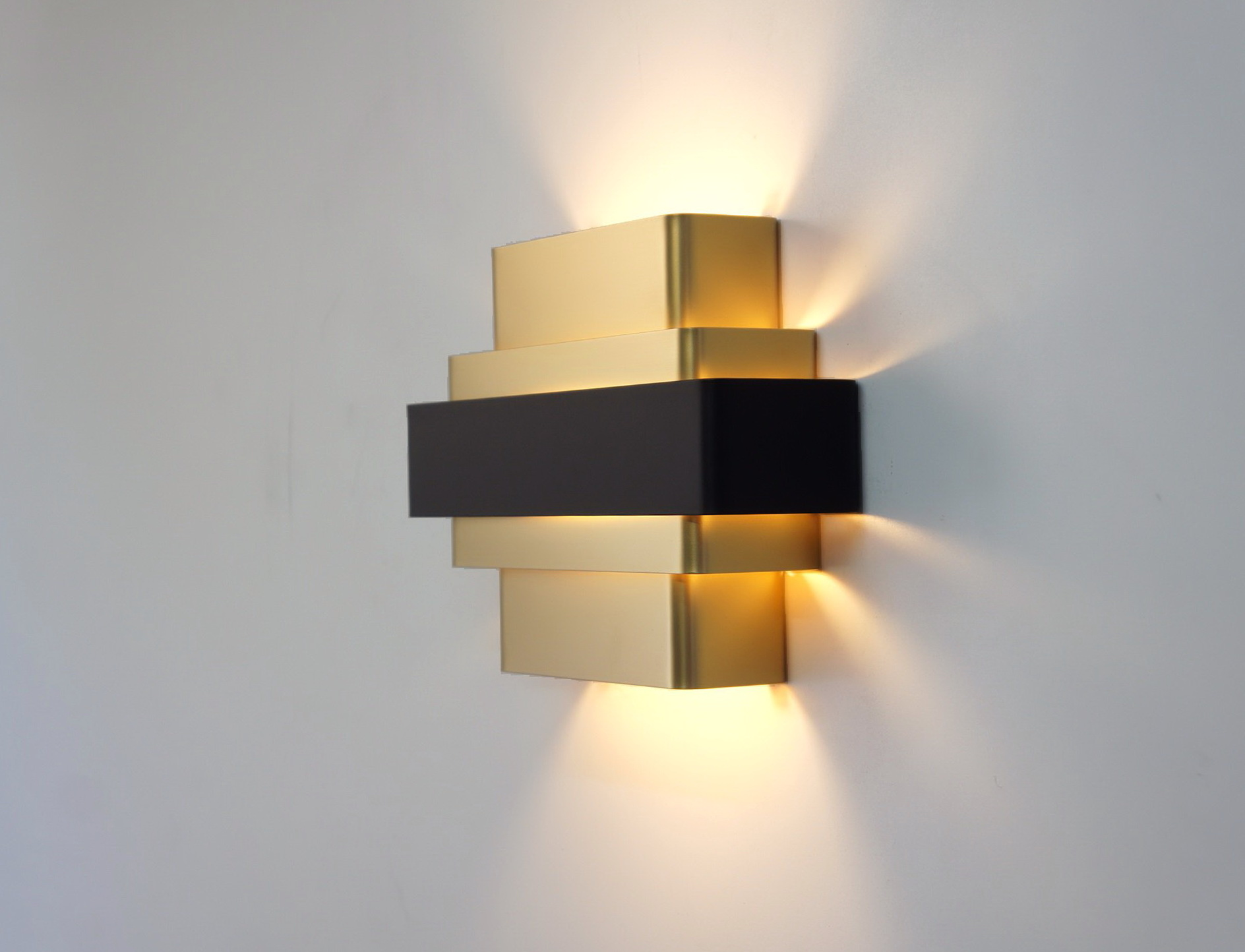 Image of: Great Cordless Wall Sconce